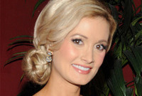 Holly-madison-from-playboy-bunny-to-yummy-mummy-side